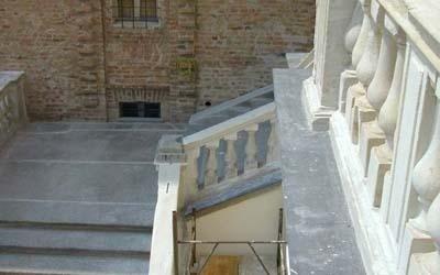 scalinata dopo il restauro