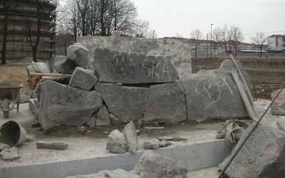 blocchi marmo per mausoleo