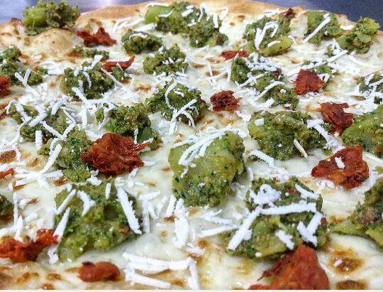 una pizza farcita