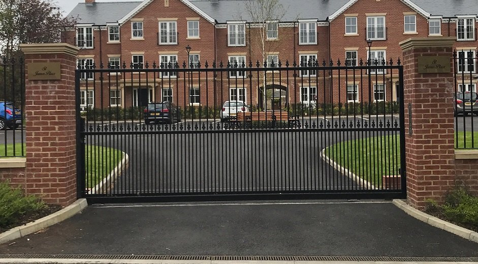 Wrought Iron Driveway Gate for Manor House