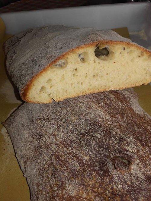 un pezzo di pane casareccio
