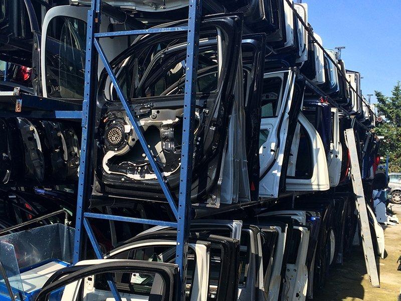 parti auto usate durante demolizione