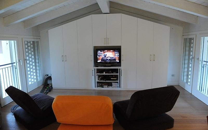 area tv