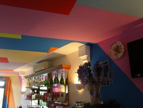 decorazione interni bar