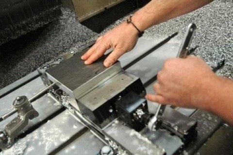 rettifica compnente metallica