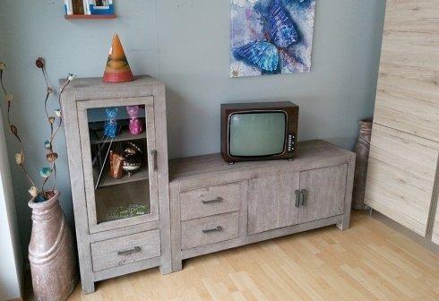 mobile per televisione con vetrina