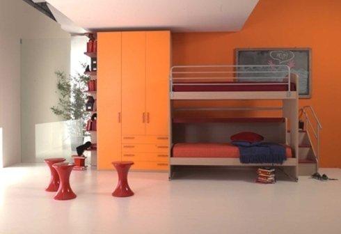 cameretta due letti arancione
