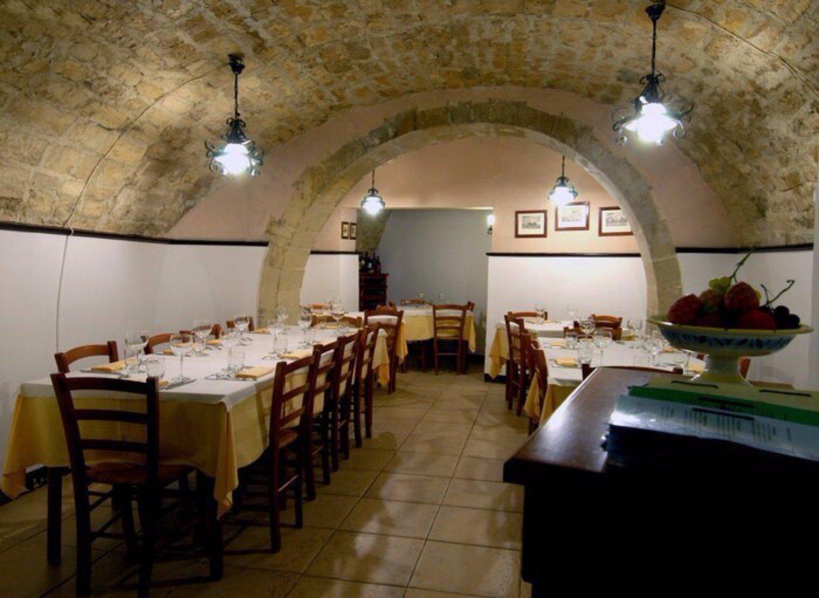 vista dell entrata del ristorante Cucina e Vino