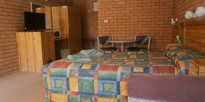 aaron inn motel available single room