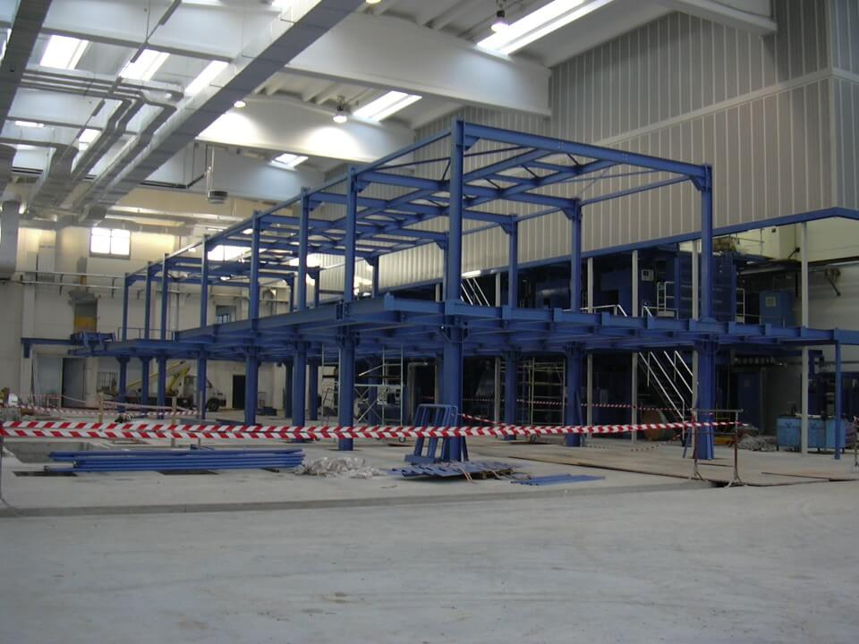struttura in ferro blu