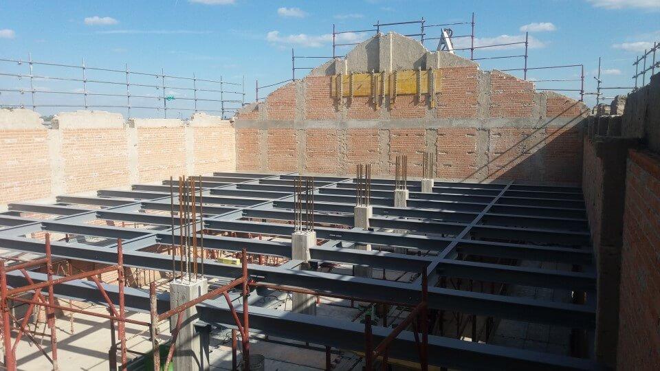 fondamenta edificio in costruzione
