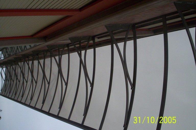 pensiline in ferro e plexiglass