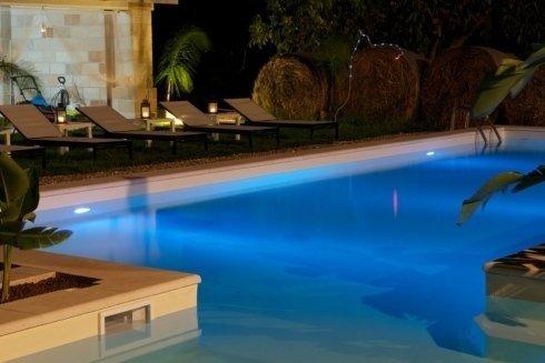 primo piano della piscina