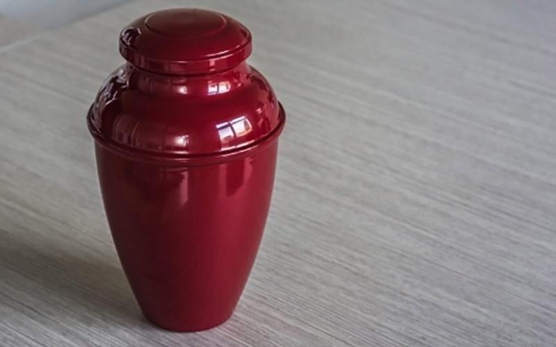 Urna in ceramica