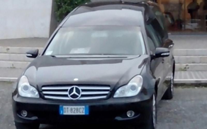 Automezzo funebre Mercedes