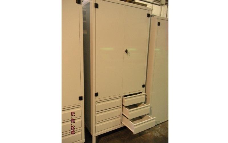 armadio cassetti metallo