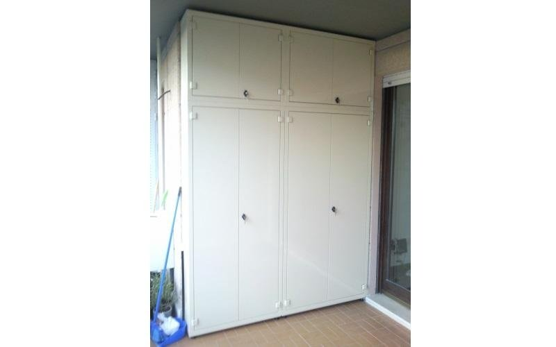 armadio camera metallo