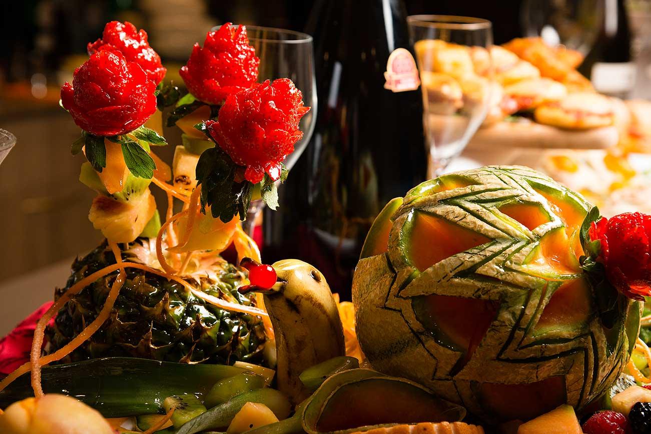 frutta incisa e da decorazione
