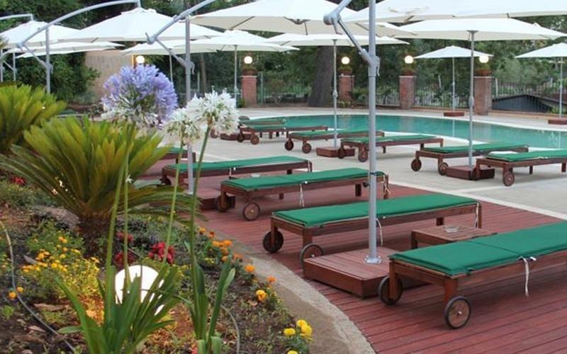 piscina hotel belvedere