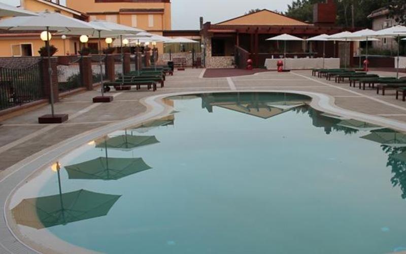 hotel con piscina all aperto