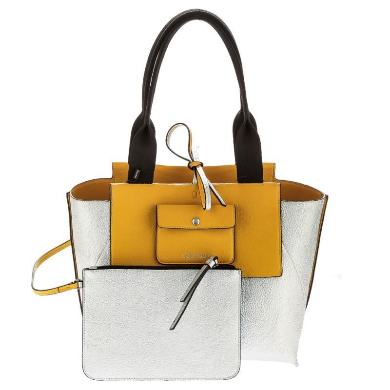 una borsa gialla bianca e nera