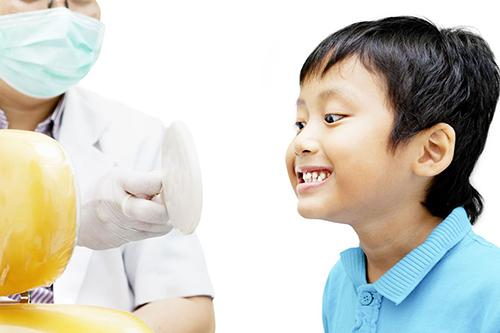 Boy looking for a dental solution in Honolulu, HI