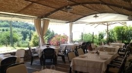ristorante con terrazza, veranda, cucina tipica