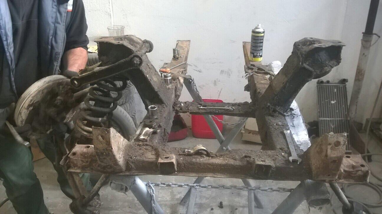 attrezzo per restauro auto