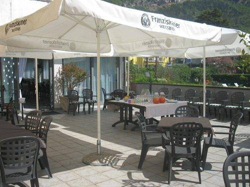 zona esterna albergo - terrazza