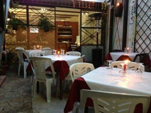 ristorante, pizzeria , sala banchetti, vini, sala ricevimenti,