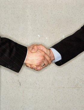 Solicitors - Kingstanding, Birmingham - Roskell, Davies & Company - Hand shake