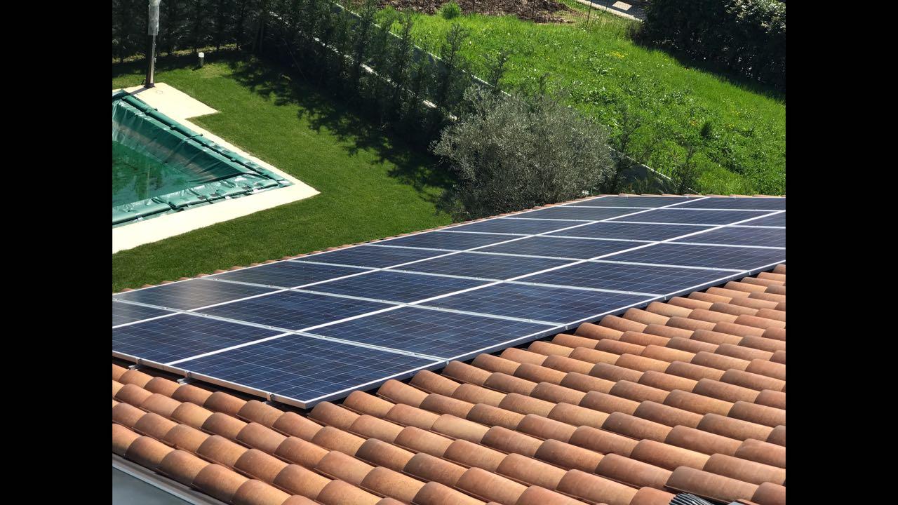 pannello fotovoltaico su un tetto
