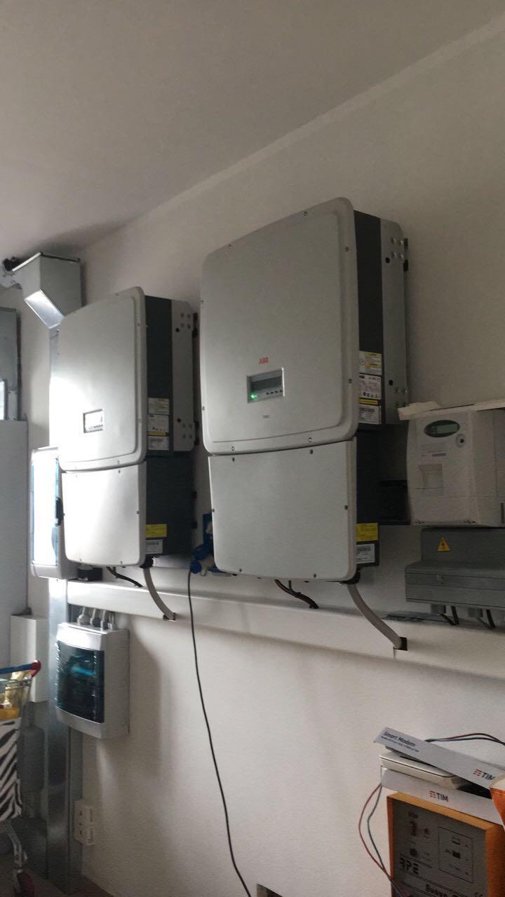 due pannelli elettrici