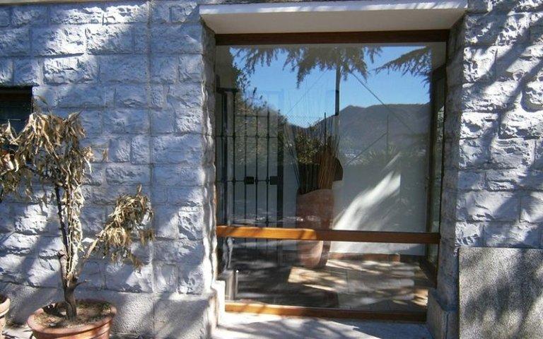 porta finestra pvc effetto legno e vetro