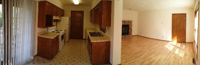 Kitchen / Living Room / Hardwood Floors