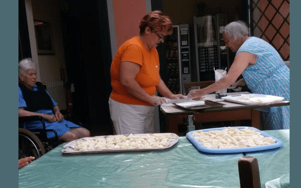 una attività ricreative per anziani