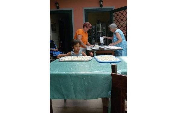 preparazione di pasta fatta a mano
