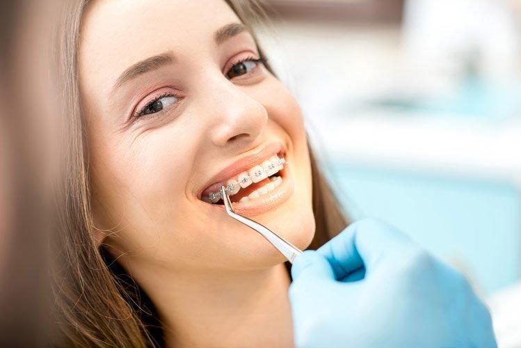 girl at the dentist