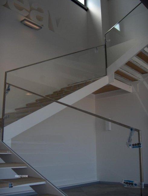 struttura in vetro per scale
