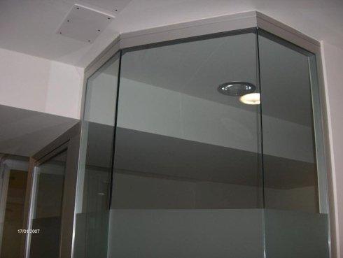 particolare struttura in vetro