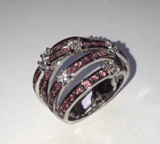 Anello in oro bianco 18 kt con zaffiri rosa e diamanti