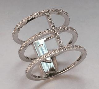 Anello in oro bianco 18 kt con diamanti