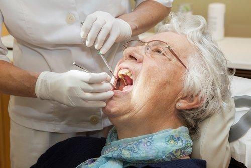 centro dentistico per anziani