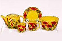 poppy motif tableware