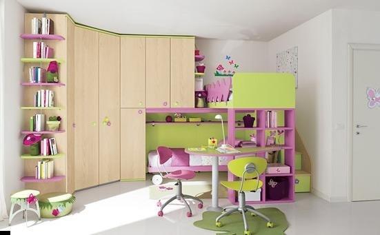 cameretta per bambina arredamento viola e verde