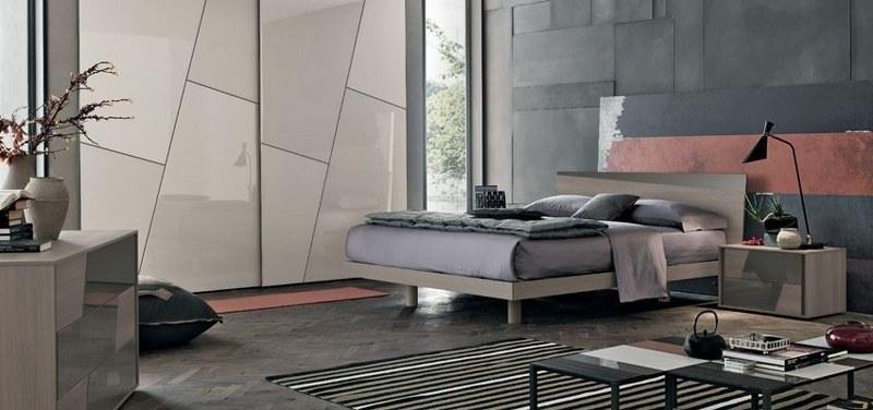 camera da letto con tappeto a righe
