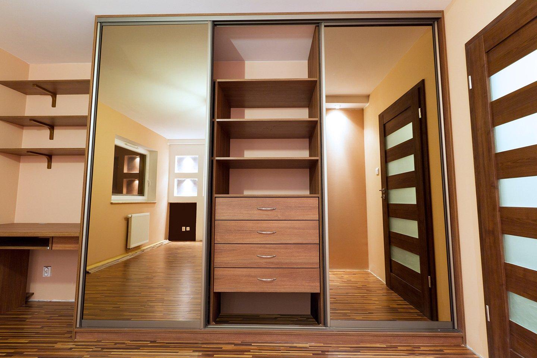 set di mobili e arredamento su misura