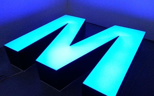 lettere luminose