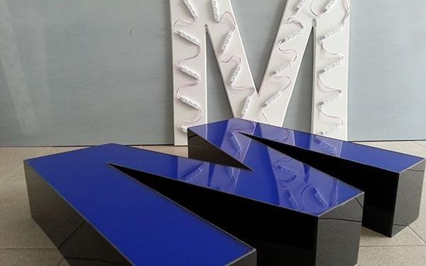 lettere plexiglass