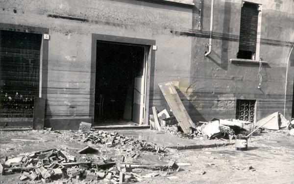 negozio post alluvione